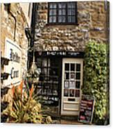 Hebden Court - Peak District - England Canvas Print