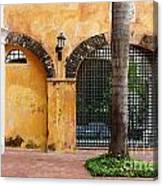 Historic Colonial Courtyard In Colombia Canvas Print