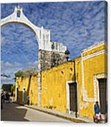 Izamal And It's Famous Arch Canvas Print