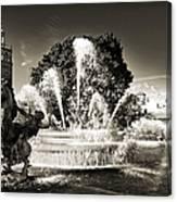 Jc Nichols Memorial Fountain Bw 1 Canvas Print
