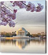 Jefferson Memorial In The Early Morning Canvas Print