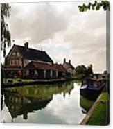 Kennett Amd Avon Canal Uk Canvas Print