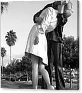 Kissing Sailor And Nurse Canvas Print