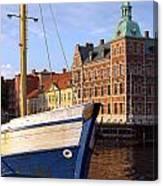 Landskrona Se 204 Canvas Print