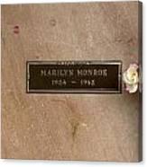 Marilyn Monroe's Grave In Westwood Village Canvas Print
