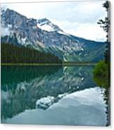 Morning Reflection In Emerald Lake In Yoho National Park-british Columbia-canada Canvas Print