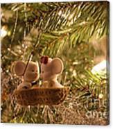 Mousie Love In A Tree Canvas Print