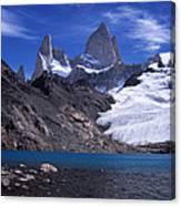 Mt Fitzroy And Laguna De Los Tres Canvas Print