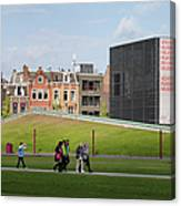 Museumplein Lawn In Amsterdam Canvas Print