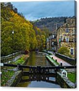 Narrow Boat Heading Up The Canal In The Fall Canvas Print