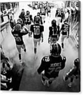 New England Patriots V New York Giants Canvas Print