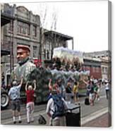 New Orleans - Mardi Gras Parades - 121286 Canvas Print