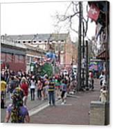 New Orleans - Mardi Gras Parades - 121290 Canvas Print