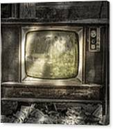 No One's Watching - Vintage Television In An Old Barn Canvas Print