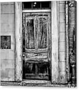 Old Door - Bw Canvas Print