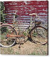 Old Rusty Bicycle With Basket Of Lavender Flowers Canvas Print