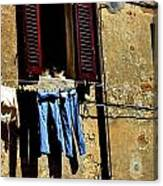 Out To Dry In San Gimigniano Tuscany Canvas Print