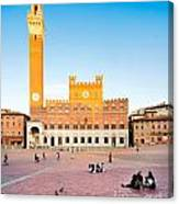 Piazza Del Campo In Siena Canvas Print