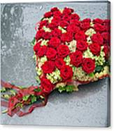 Red Flower Heart With Roses - Beautiful Wedding Flowers Canvas Print