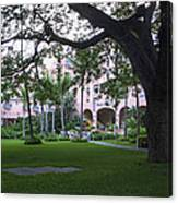 Royal Hawaiian Hotel Entrance Canvas Print