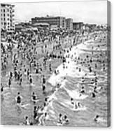 Santa Monica Beach In December Canvas Print