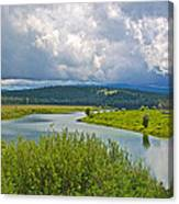 Snake River By Oxbow Bend In Grand Teton National Park-wyoming Canvas Print