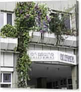 Springtime Lilacs An Farina Cologne Germany Canvas Print
