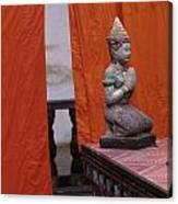 Statue At Wat Phnom Penh Cambodia Canvas Print
