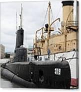 Submarine 319 On Delaware River  Canvas Print