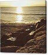 Sunrise By The Rocks Canvas Print