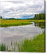 Swan Lake In Grand Teton National Park-wyoming  Canvas Print