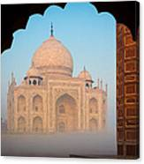 Taj Mahal Dawn Canvas Print