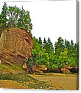The Flowerpots At Hopewell Rocks On Bay Of Fundy-new Brunswick Canvas Print