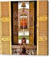 Through The Temple Doors India Canvas Print