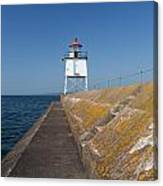 Two Harbors Mn Pier Light 10 Canvas Print