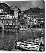 Vernazza - Cinque Terre In Grey Canvas Print