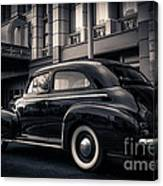Vintage Chevrolet In 1934 New York City Canvas Print