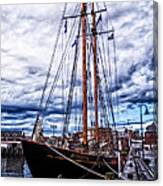 Virginia In New London Canvas Print