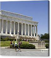 Visitors At The Lincoln Memorial Canvas Print