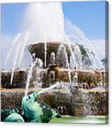 Buckingham Fountain In Chicago Canvas Print