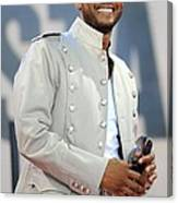 Usher On Stage For Abc Gma Concert Canvas Print