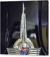 1957 Morris Minor 1000 Traveller Emblem Canvas Print