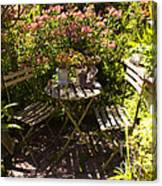 542 Cf Peaceful Garden Canvas Print