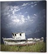Abandoned Fishing Boat In Washington State Canvas Print