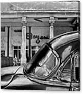Black Car Havana Canvas Print