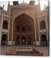 Central Cross Section Of Humayun Tomb In Delhi Canvas Print