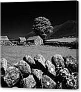 Countryside Beneath Slieve Binnian In The Mourne Mountains Northern Ireland Canvas Print