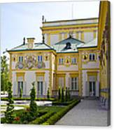 Gardens Of Wilanow Palace - Warsaw Canvas Print