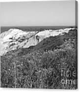 Gay Head Lighthouse With Aquinna Beach Cliffs - Black And White Canvas Print