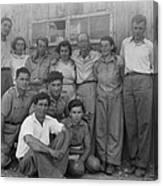 Group Of Jewish Immigrants Harvesting Canvas Print